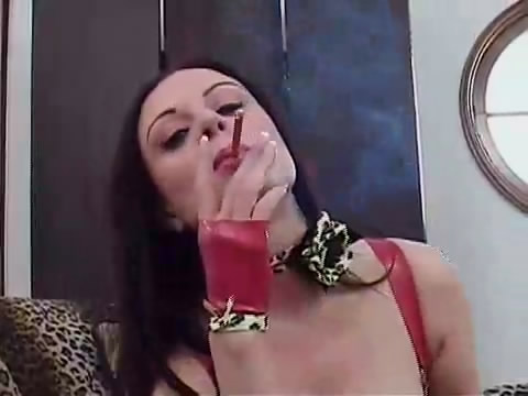 Ashtray Slave.mp4_snapshot_00.28_[2012.01.27_22.46.34]